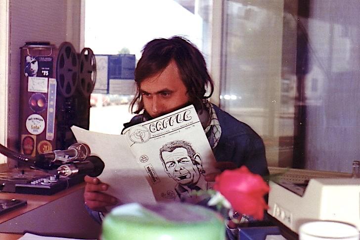 Peter-Vandam-leest-Baffle-1975-kopie